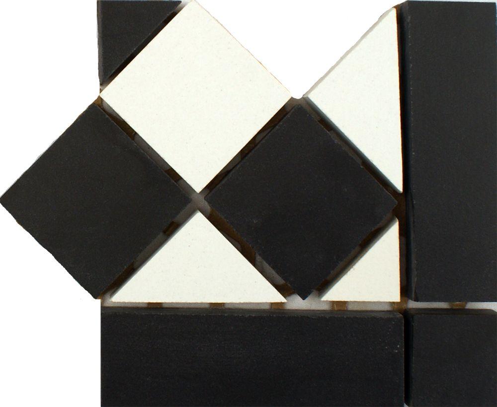 Black & White Corner Tiles